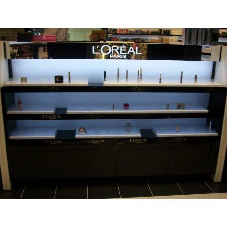 Gondole L'Oréal avec cassettes produits